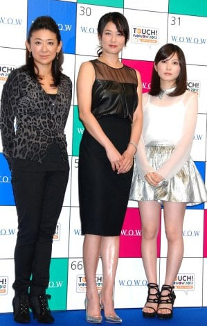 『TOUCH!WOWOW2012 いいね♪3チャンネルの日』記者会見に出席した(左から)谷村志穂、夏川結衣、志田未来 (C)ORICON DD inc.