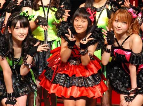 モーニング娘。(左から)道重さゆみ、新メンバーの小田さくら、田中れいな (C)ORICON DD inc.