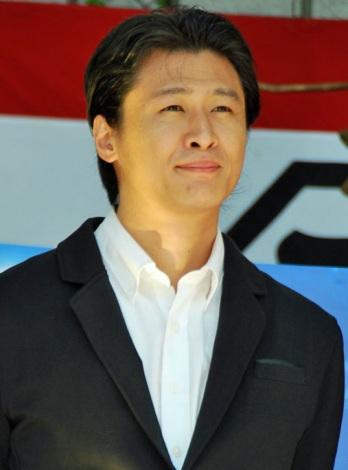 映画『天地明察』初日舞台あいさつに登壇した原作者の冲方丁 (C)ORICON DD inc.