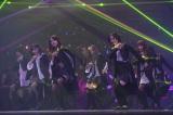 初お披露目したAKB48の28thシングル「UZA」 (C)AKS
