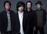エレファントカシマシ 宮本浩次(中央左)