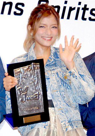 サムネイル 『ベストジーニスト2012』の「協議会選出部門」を受賞したローラ (C)ORICON DD inc.