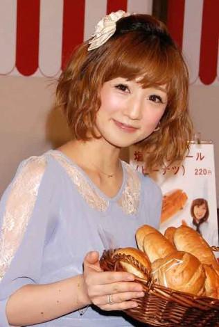『LITTLE MERMAID』とのコラボ商品発表記者会見に出席した小倉優子 (C)ORICON DD inc.