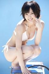 NMB48の山本彩と渡辺美優紀が写真集で売上対決!