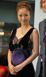 第25回東京国際映画祭「グリーンカーペット」で大トリを務めた上戸彩 (C)ORICON DD inc.
