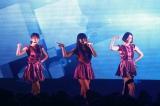 台湾で初の海外ツアーをスタートしたPerfume(写真左から:あ〜ちゃん、かしゆか、のっち)