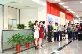 台北空港で熱烈に出迎えられたPefume