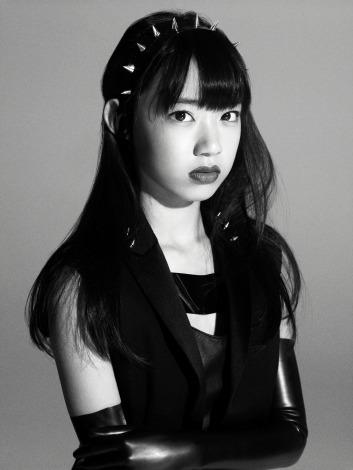 AKB48がモードなビジュアルでラフォーレ原宿をジャック!(写真はHKT48・宮脇咲良)