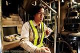 【場面写真】システムエンジニアの能力をいかし、金塊強奪を企てる男を演じる桐谷健太(映画『黄金を抱いて翔べ』より)