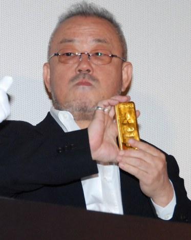 映画『黄金を抱いて翔べ』公開初日舞台あいさつを行った井筒和幸監督 (C)ORICON DD inc.