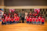 JKT48の2期生オーディション合格者31人と秋元康氏、高城亜樹、仲川遥香が記念撮影 (C)JKT48 Project