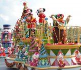 東京ディズニーランドできょう7日よりスタートしたクリスマスのスペシャルイベント「ディズニー・サンタヴィレッジ」の様子 (C)ORICON DD inc.