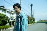映画『その夜の侍』で妻を失い、復讐を誓う夫を演じた堺雅人 (C)2012「その夜の侍」製作委員会