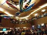 東京・新宿バルト9で行われた『ヱヴァンゲリヲン新劇場版:Q』世界最速上映に多くのファンが駆けつけた (C)ORICON DD inc.