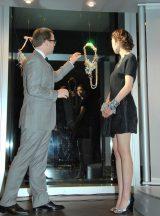 展覧会『SWAROVSKI ELEMENTS WORLD JEWELRY FACETS TOKYO』にゲスト来場した片瀬那奈 (C)ORICON DD inc.