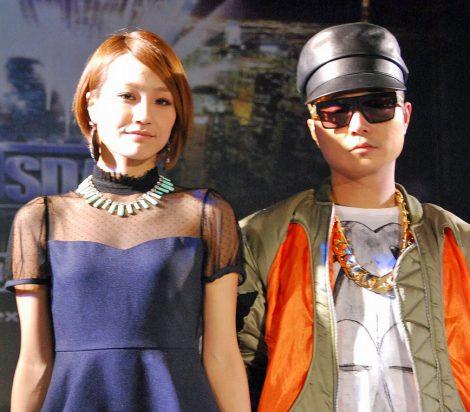 『avex audition MAX 2013』の記者発表会に出席した千紗(girl next door)とVERBAL(m-flo) (C)ORICON DD inc.