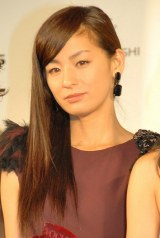 『VOGUE JAPAN Women of the Year 2012』の授賞式に出席した尾野真千子 (C)ORICON DD inc.