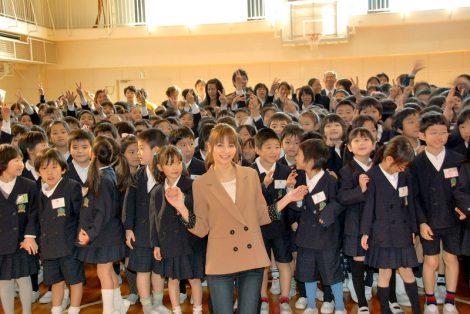 『食べるが価値』プロジェクト食育タイアップイベントに出席した香里奈(中央) (C)ORICON DD inc.