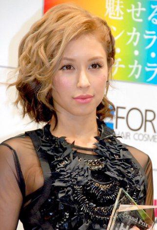 『JHCA ステキなヘアカラー大賞2012』授賞式に出席したBENI (C)ORICON DD inc.
