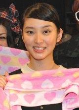 『今日、恋をはじめナイト』にゲストとして登場した武井咲