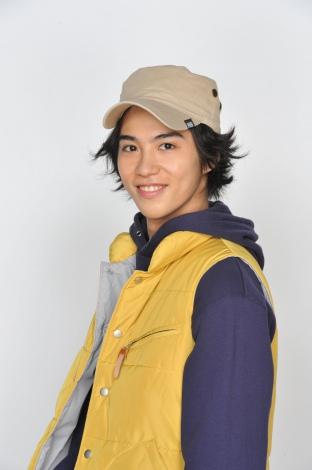 ドラマ『泣くな、はらちゃん』でマキヒロを演じる賀来賢人