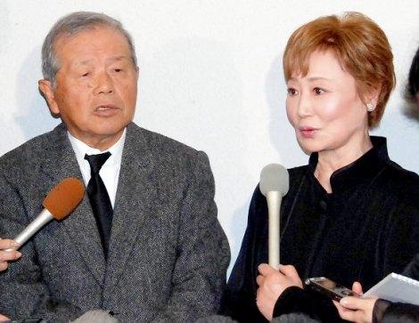 森光子さんの本葬に参列した(左から)左とん平、浜木綿子 (C)ORICON DD inc.