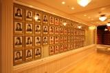専用劇場「SKE48 THEATER」壁写 (C)AKS