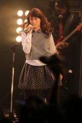 ライブではワム!「ラスト・クリスマス」のカバーも披露した Photo/上飯坂一