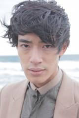 本格的に俳優デビューを飾る中島歩(24)