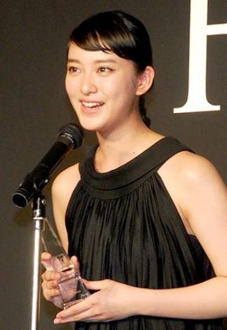 サムネイル 『第54回FECJ賞』の『セレブリティ・オブ・ザ・イヤー』に選ばれた武井咲 (C)ORICON DD inc.