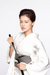 5代目極妻を演じる黒谷友香  撮影:杉山芳明 (C)2013 東映ビデオ