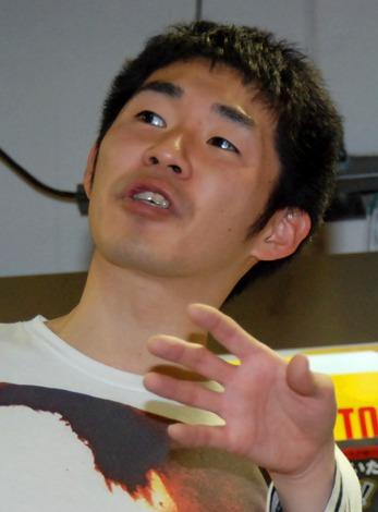 「キングオブコント2012」DVD発売記念イベントに出席したお笑いコンビ・しずるの池田一真 (C)ORICON DD inc.