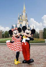 ミッキーとミニーが『紅白』にやって来る(C)Disney