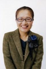 工場勤務の女性を演じるもたいまさこ=日本テレビ系ドラマ『シェアハウスの恋人(仮)』(毎週水曜 後10:00)キャスト発表