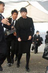 歌舞伎俳優の中村勘三郎さんの本葬に参列した和田アキ子 (C)ORICON DD inc.