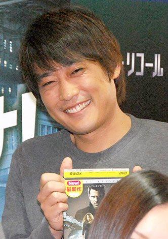 映画DVD『トータル・リコール』のTSUTAYA独占レンタル開始記念イベントに出席したフルーツポンチの村上健志 (C)ORICON DD inc.
