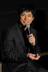 """名古屋で行われたトークイベント『今夜は""""イチゴ""""を語らナイト』に出席した西島秀俊"""