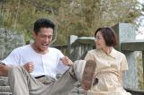 好スタートを切ったドラマ『とんび』第1話の場面カット 内野聖陽(左)と常盤貴子(右)(C)TBS
