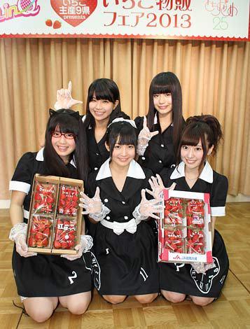 前列左から志良ふう子、瑞希もえ、山木彩乃、後列左から天野なつ、坂井朝香(C)De-View