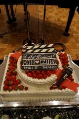 ウエディングケーキは映画のカチンコ風/有村昆&丸岡いずみキャスター披露�