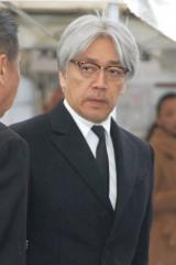 大島渚さんの告別式で弔辞を述べた坂本龍一 (C)ORICON DD inc.