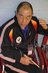 らくご卓球クラブ『2013年新春初打ち会』で汗を流したでんでん (C)ORICON DD inc.