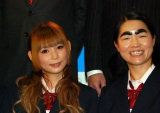 同じ事務所に所属する中川翔子(左)とイモトアヤコ(右) (C)ORICON DD inc.
