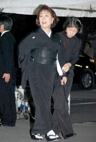 映画監督の大島渚さんの通夜に参列した朝丘雪路 (C)ORICON DD inc.