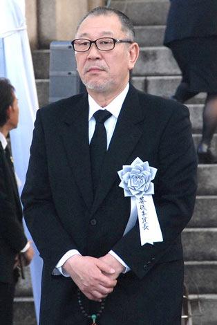 大島渚監督の告別式で葬儀委員長として弔辞を述べた崔洋一監督 (C)ORICON DD inc.