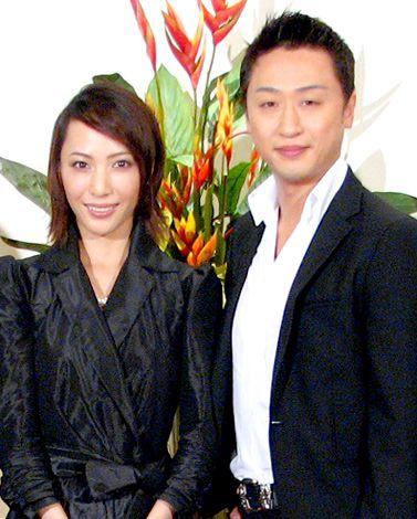 サムネイル 結婚を発表した貴城けいと市川月乃助(※写真は2007年7月に行われた舞台の制作記者会見時のもの) (C)ORICON DD inc.