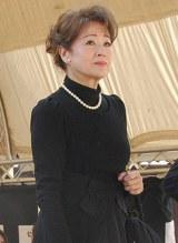 本葬に参列した元妻の五月みどり (C)ORICON DD inc.