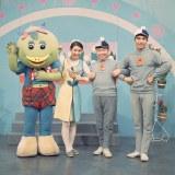 初代メンバー(左から)カータン(声・演:大竹宏)、渡辺直子おねえさん、しんぺいちゃん、体操のおにいさん(金森勢)
