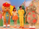 (左から)シュッシュ、なおおねえさん、せいやおにいさん、ポッポ (C)ORICON DD inc.