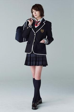 米倉涼子の制服姿が解禁(C)日本テレビ